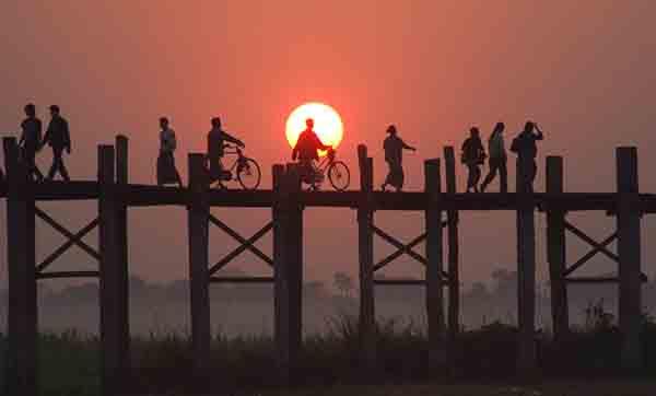 สะพานชีวิต -สะพานอูเบง พม่า ธีรภาพ โลหิตกุล