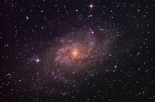 """รางวัลรองชนะเลิศอันดับ ๒ นายภูมิภาค เส็งสาย ชื่อภาพ """"M33 Triangulum Galaxy"""""""